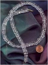 Halskette aus Bergkristall-Scheiben