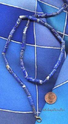 Kette aus Lapislazuli-Röhren